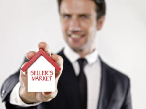Learn the Pros and Cons to Selling Your Home in a Buyer's Market